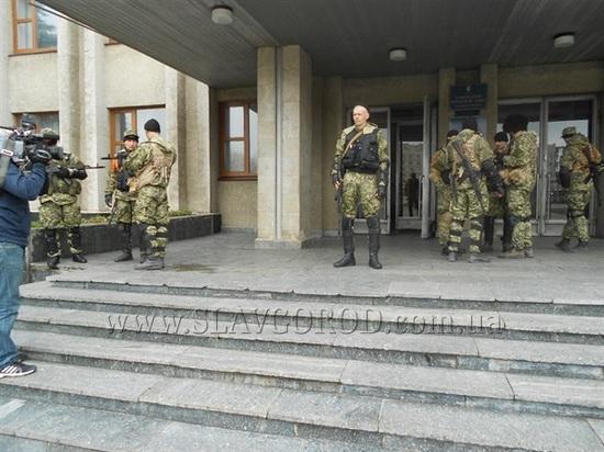 В Славянск прибыли боевики из Крыма - СМИ