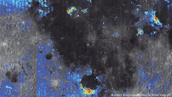 На Луне может быть много воды - ученые