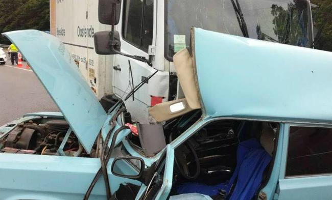 Под Львовом грузовик врезался в легковой автомобиль: погибли двое