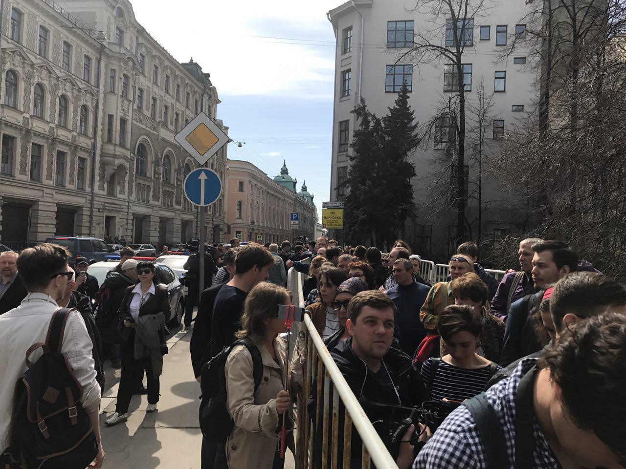 """Надоел"": в РФ на акции требовали от Путина не идти в президенты"