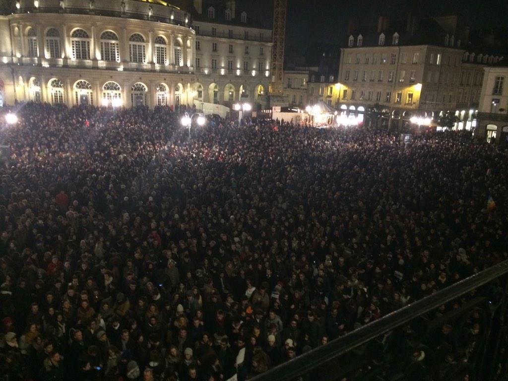 Charlie Hebdo: тысячи европейцев вышли на улицу против террора