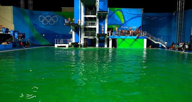 Вбассейне под водой онлайн фото 537-297