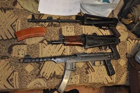 СБУ задержала в Николаеве группу торговцев оружием: фото, видео