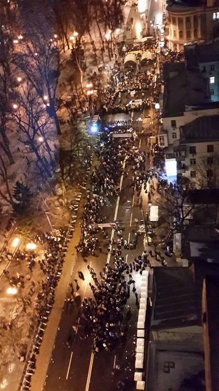 Евромайдан: В правительственном квартале возвели новые баррикады