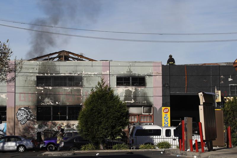Пожар в творческих студиях в Калифорнии: найдено 24 тела