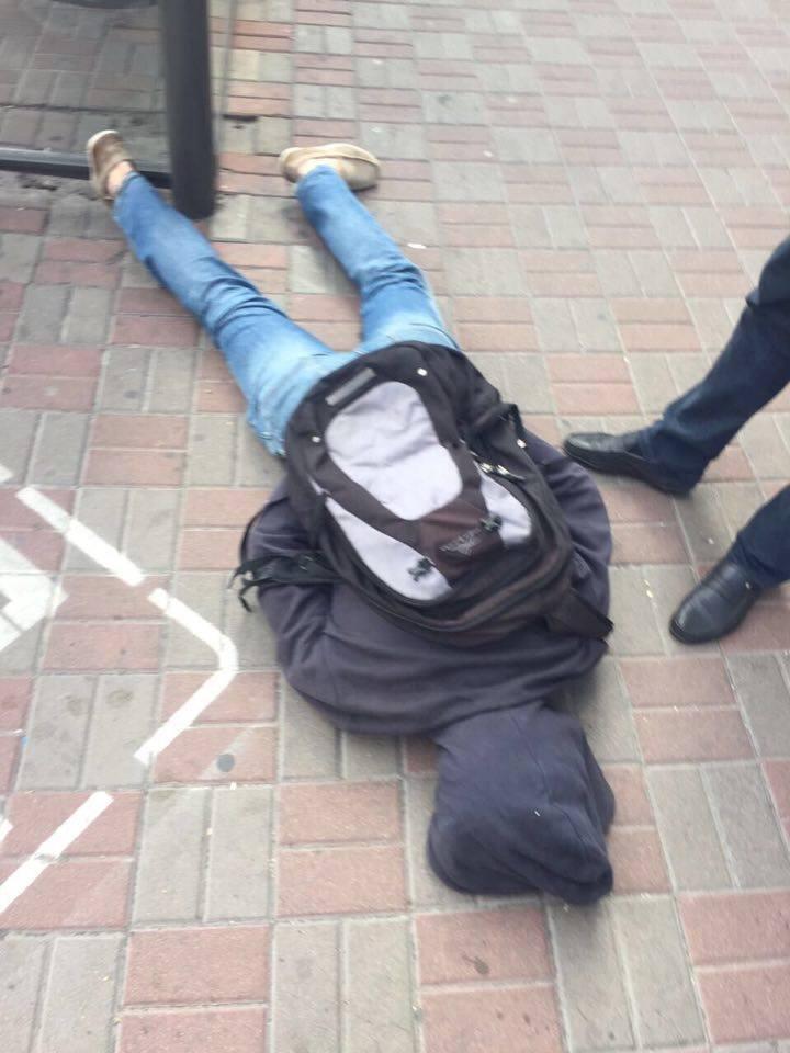 В Киеве злоумышленники обменяли в банкомате фальшивые $12 тыс