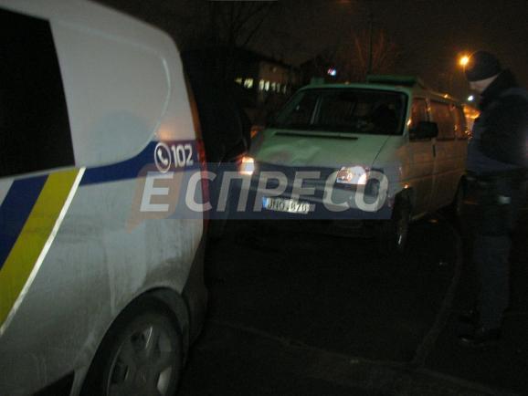 В Киеве при оформлении ДТП минивэн наехал на патрульную - СМИ