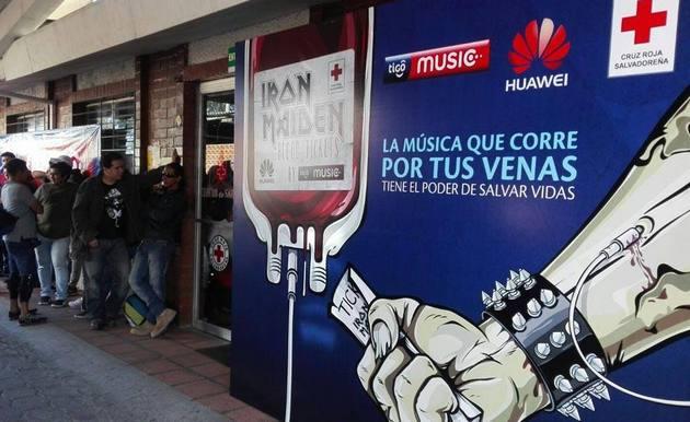 В Сальвадоре обменяли билеты на концерт Iron Maiden на кровь