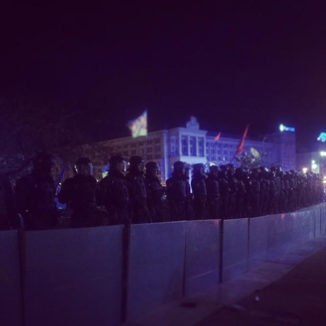 """""""Беркут"""" жестоко разогнал митинг на Майдане Независимости: видео"""