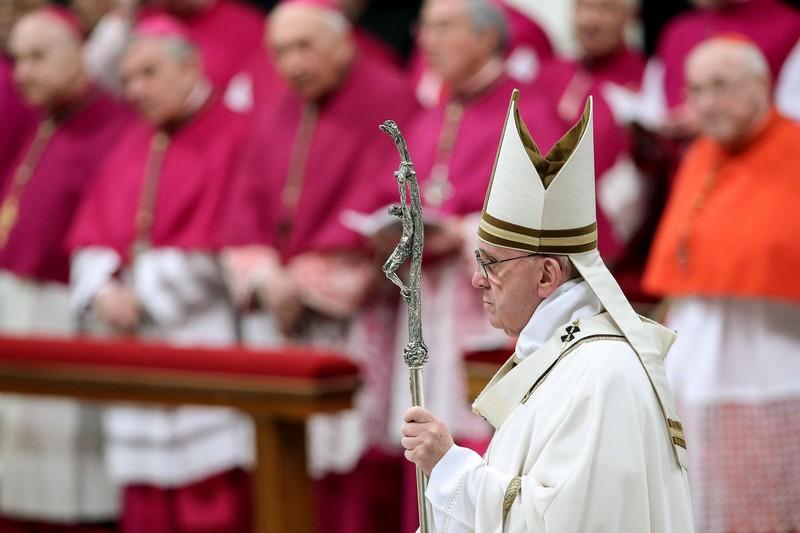 Папа римский Франциск: Мир отравлен духом потребления