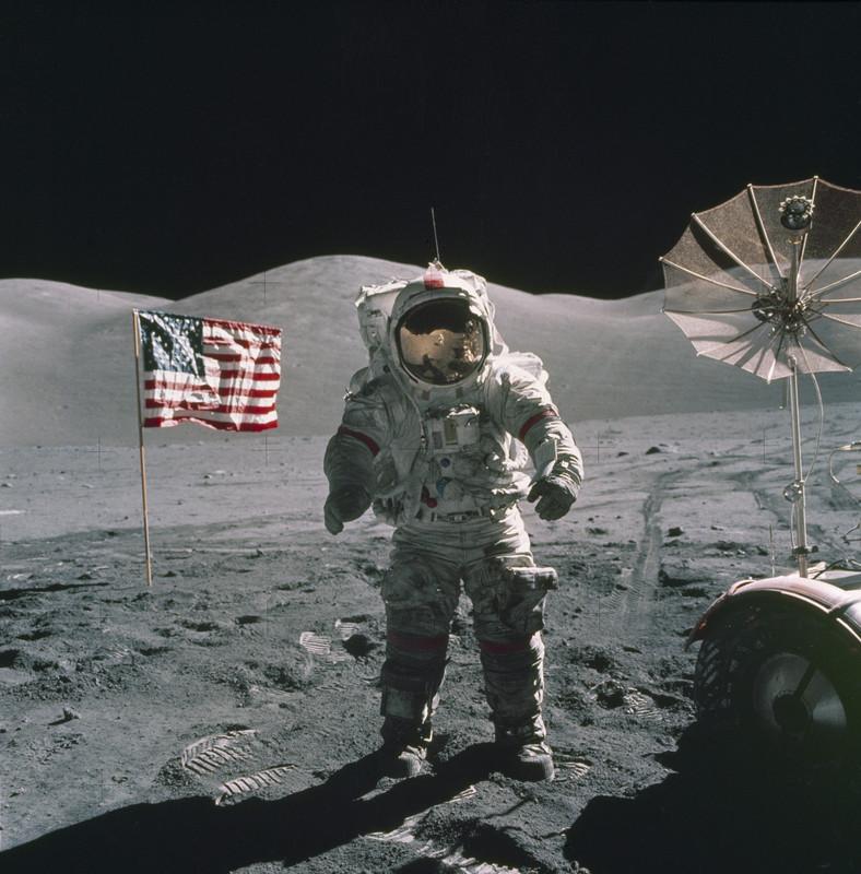 ВСША скончался последний ступавший наповерхность Луны астронавт