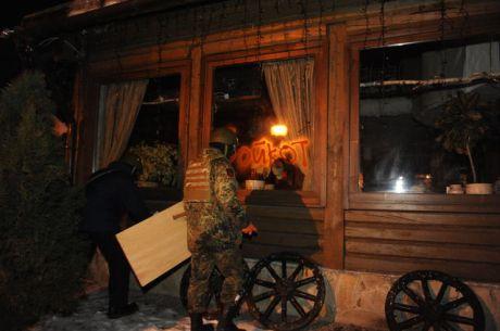 В Киеве разгромили два ресторана: оппозиция говорит о провокациях