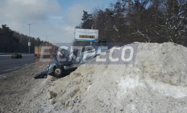 НаБориспольском шоссе сутра три ДТП: есть погибший