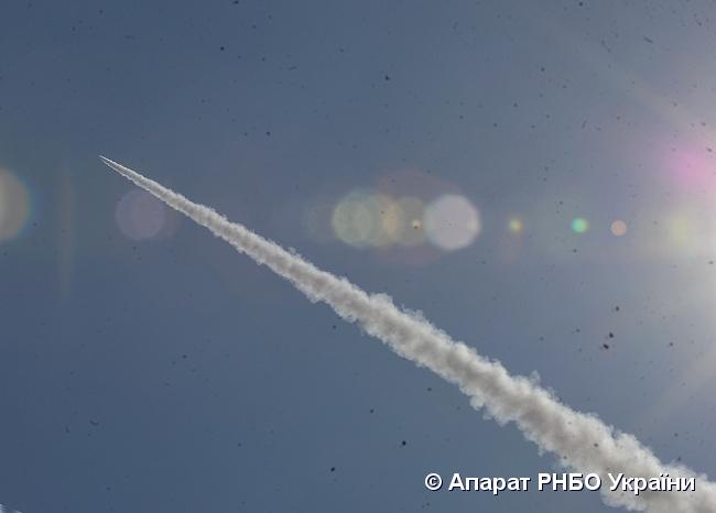 Турчинов: Сегодня состоялись успешные запуски ракет - фото