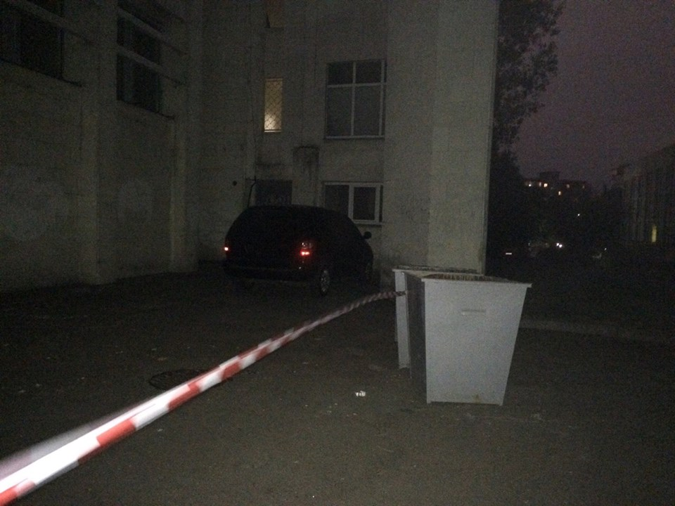 В Киеве неизвестные с автоматами отобрали у мужчины 2 млн грн