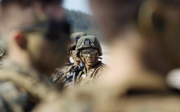 Столтенберг о военных НАТО в Латвии: Они сдерживают агрессию