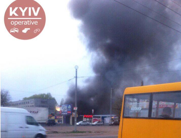 В ГСЧС рассказали, что горело на Окружной в Киеве