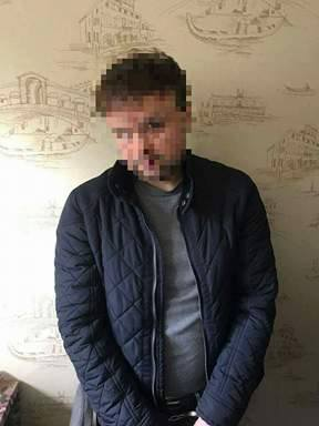 Пытки и сутенерство в Киеве: задержаны 6 участников банды - фото