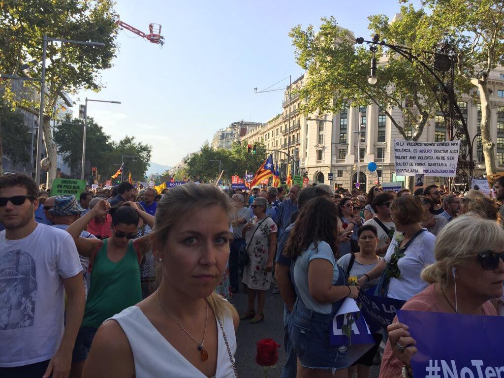 В Барселоне полмиллиона человек вышли на марш против терроризма