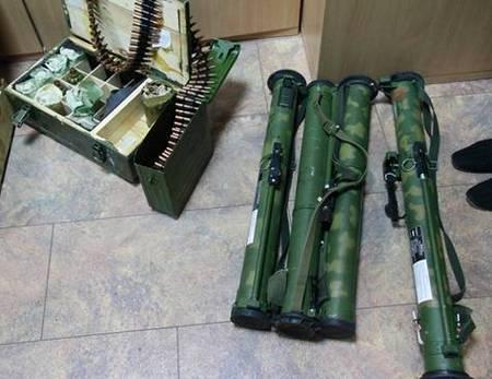 В Донбассе задержали группу боевиков с арсеналом оружия