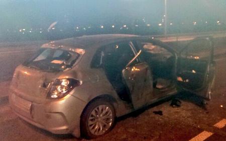 "Колонна ""Беркута"" разбила машину активиста Автомайдана (фото)"