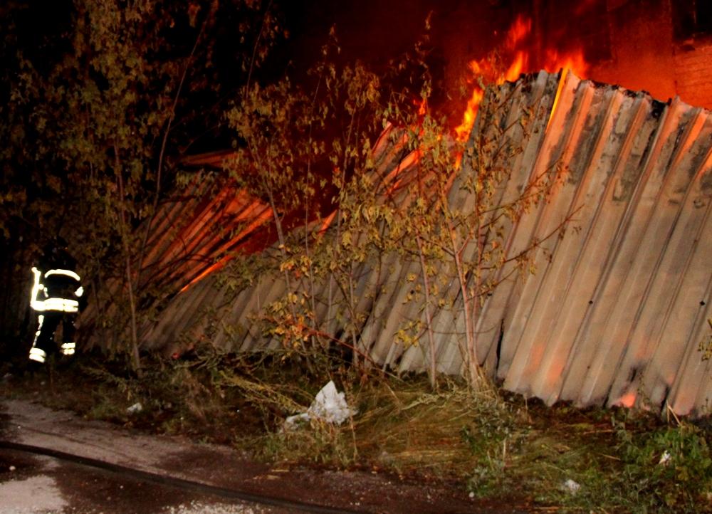 Масштабный пожар на Слободке: горел ангар