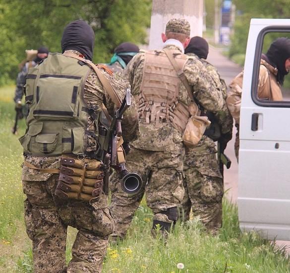 Силовикам в Славянске противостоят 800 боевиков - Аваков