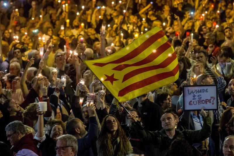 В Барселоне сотни тысяч протестуют против властей в Мадриде