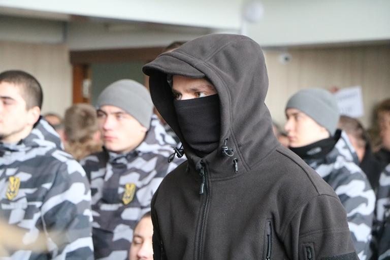 В Черкассах приняли бюджет под контролем активистов и бойцов АТО