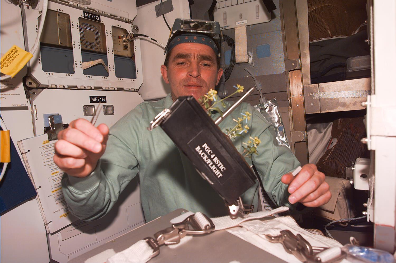 Тема дня. От летчика до космонавта: жизнь Леонида Каденюка