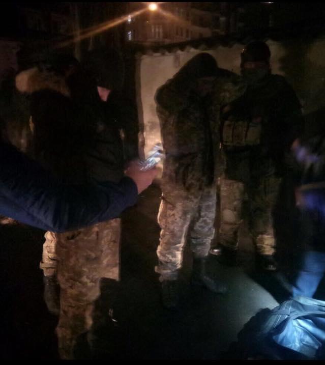 В Одессе задержан военный, собиравшийся везти на Майдан автоматы