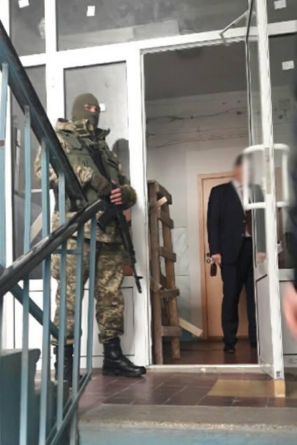 Под Харьковом разоблачили центр легализации мигрантов: фото