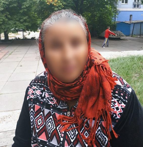 В центре Киева полиция задержала мошенницу-гадалку: фото