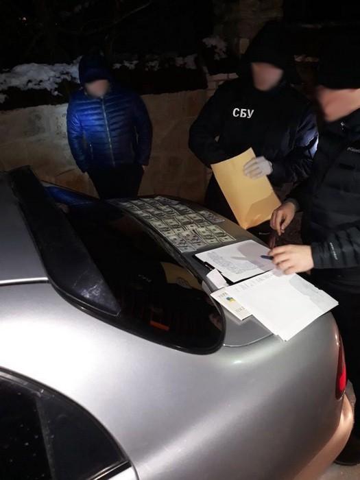 В Винницкой области СБУ разоблачила на взятке двух силовиков
