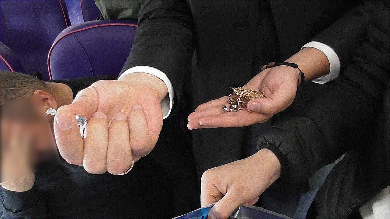 Золото і діаманти віз із собою: Розенблата затримали ваеропорту Києва