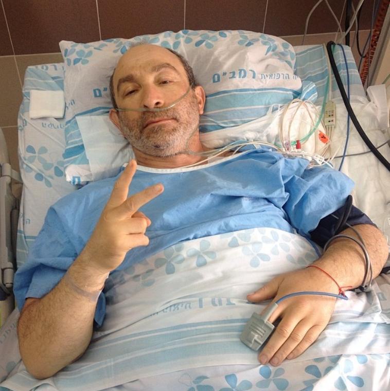 Геннадий Кернес опубликовал свое фото и пообещал вернуться
