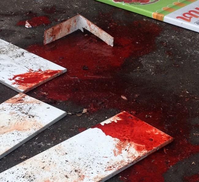 В Донецке утром обстреляли центр города, погибли люди (фото, видео)