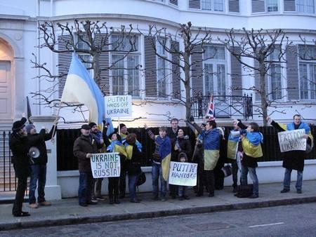 Автомайданы в США и Европе провели акции в поддержку Украины