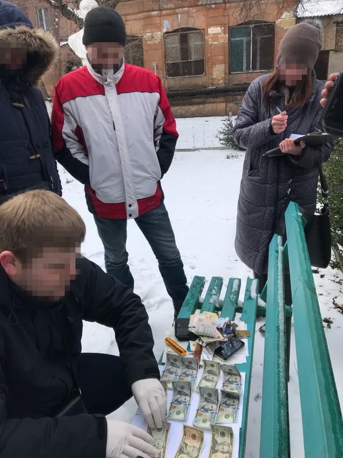 В Одессе на взятке в $2 тыс разоблачили врача-эксперта - СБУ