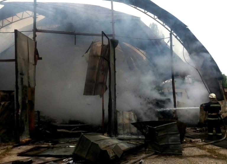 В Измаиле в результате взрыва вспыхнул промсклад: видео