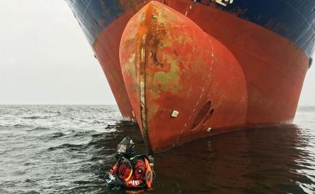 Пьяный российский капитан усадил судно на мель у берегов Швеции