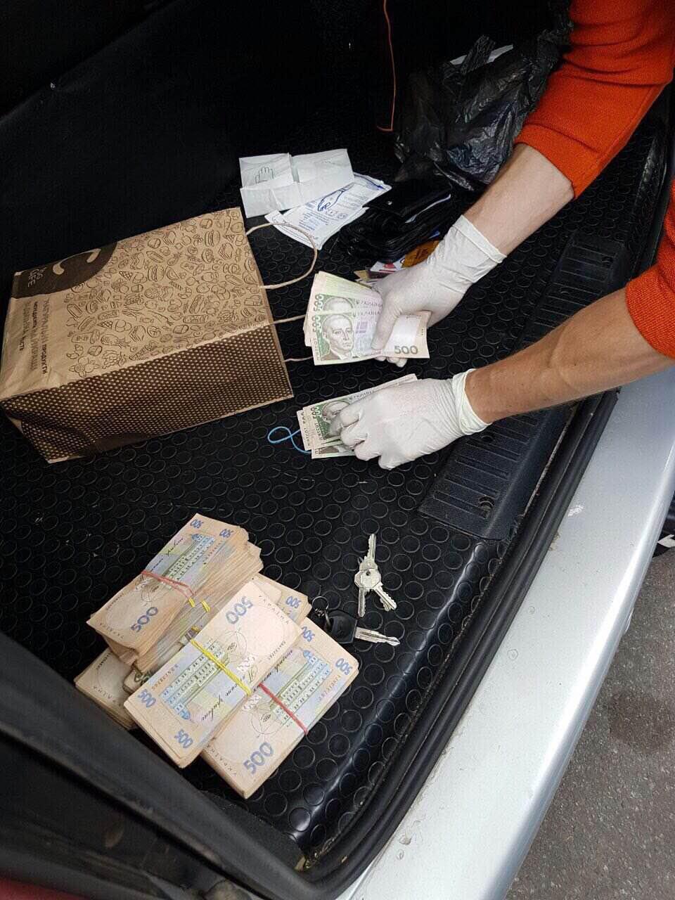 На Харьковщине чиновника ГФС задержали по делу о крупной взятке