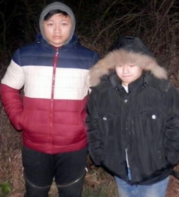 Пограничник спас из-подо льда вьетнамок и переправил их в ЕС