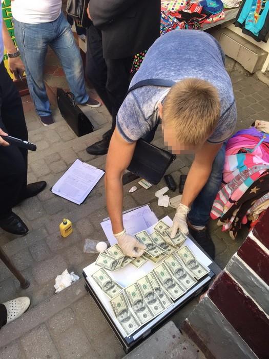 На Львовщине по подозрению в коррупции задержан чиновник ГМС
