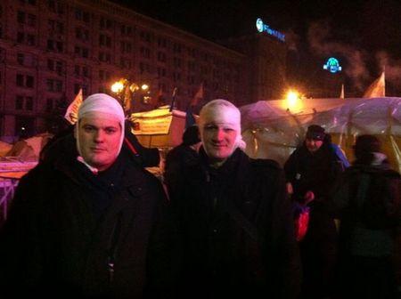 Азаров: Митингующих не бьют, а просто чистят дороги