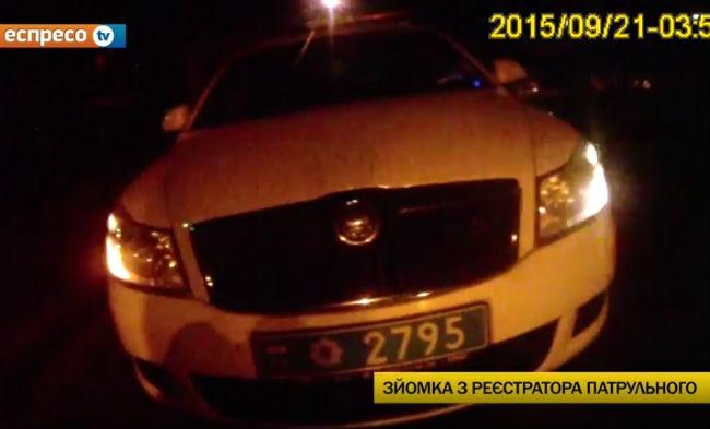 Полиция задержала нетрезвых милиционеров на служебном авто: видео