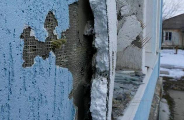 """Последствия обстрела боевиками в первый час """"перемирия"""": фото"""