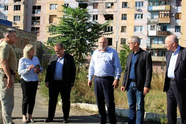 """Французская делегация """"поражена"""" увиденным в Донбассе - штаб"""