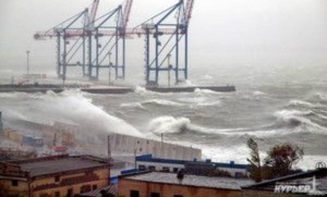 Ураган в Одессе унес три жизни, среди погибших есть ребенок