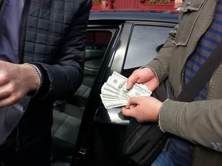 СБУ: В Чернигове депутат вымогал 100 тыс за одобрение бизнес-схем